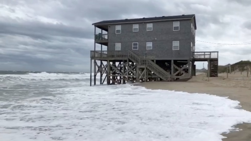 September 5, 2019, Hurricane Dorian, Rodanthe, North Carolina, High Tide, Outer Banks Photographers, Cape Hatteras National Seashore, Cape Hatteras Photographers, Documentary Photography, Documentary Photographer, Outer Banks, Cape Hatteras National Seashore, Epic Shutter Photography, Weather and Storms
